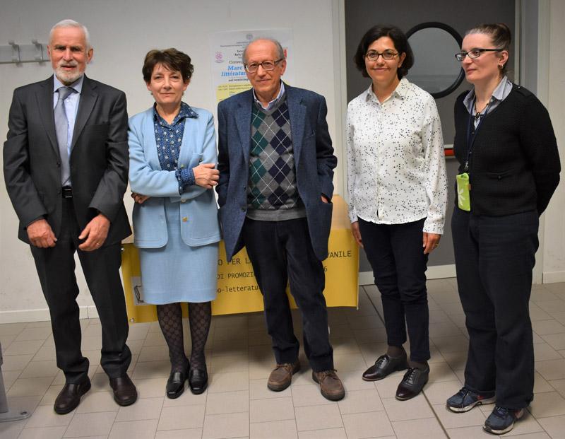 La foto di gruppo dei relatori insieme alla prof.ssa Luana Salvarani